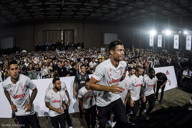 Cristiano Ronaldo Shanghaiban 2019. július 25-én.
