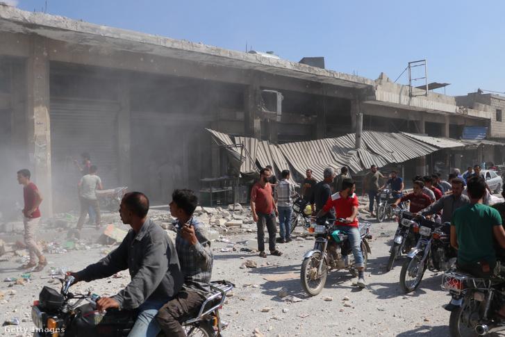 Légitámadásban megrongálódott épület Ildíbben 2019. augusztus 21-én. A támadás során öt civil életét vesztette és tíz ember megsérült.