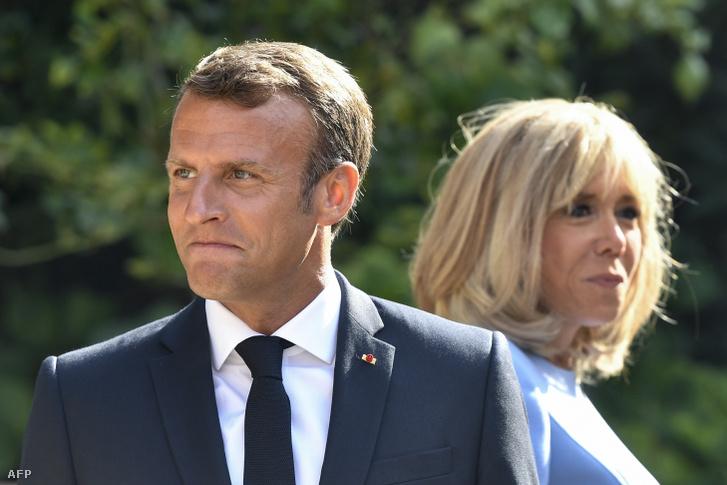 Emmanuel Macron francia államfő és felesége, Brigitte Macron