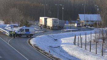 Nem jogerősen életfogytiglant kapott az M5-ös autópályánál gyilkoló férfi