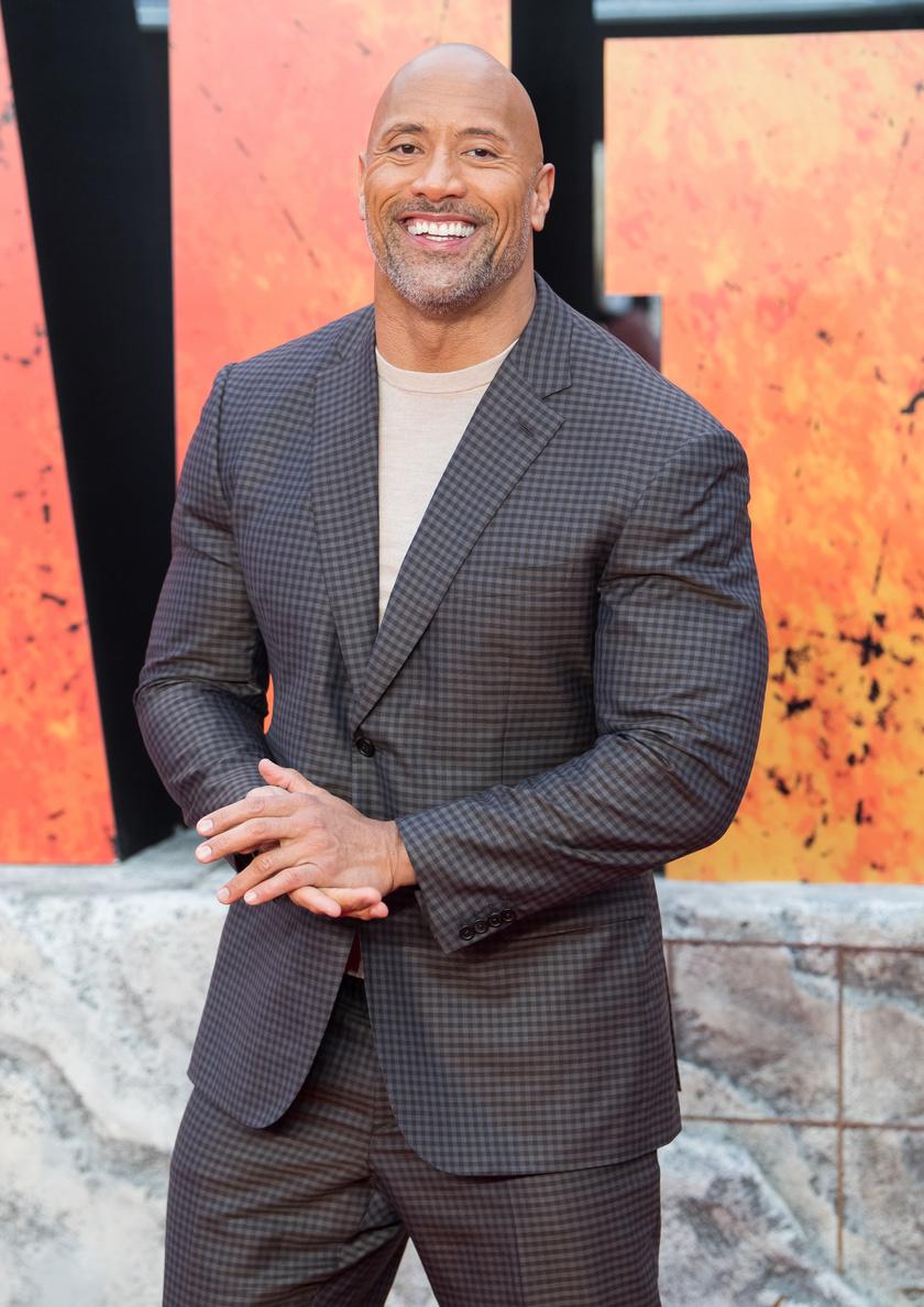 A lista első helyezettje Dwayne Johnson, azaz a Szikla lett, 89,4 millió dollárt, átszámítva 26,4 milliárd forintot keresett.
