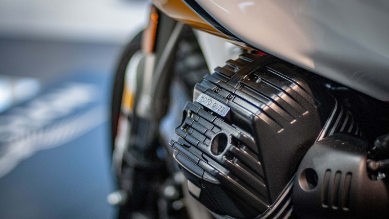 Moto-Guzzi-V85-TT-INTERMOT-01