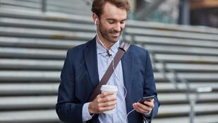 Ennyire veszélyesek a fülhallgatók, de a 60/60-as szabály segíthet