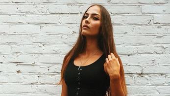 Az út melletti fűben holtan találtak az orosz atlétára és modellre