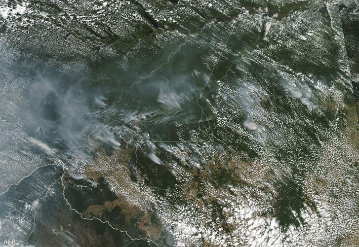 A NASA műholdképe 2019. augusztus 21-én a brazil Rondônia államban lévő tüzekről.