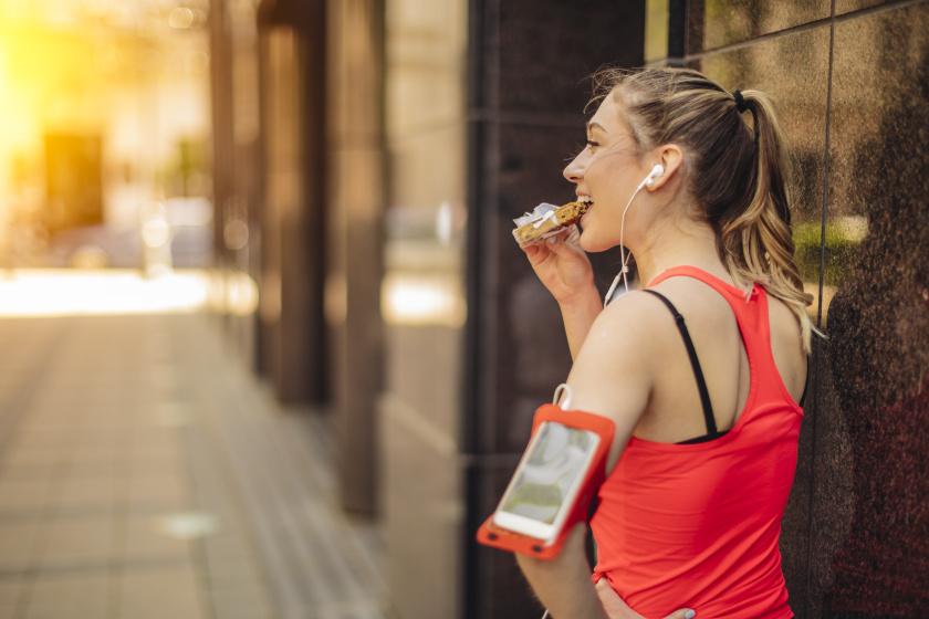 8 edzés utáni nassolnivaló, ami segíti a fogyást: sokáig eltelít, feltölt energiával