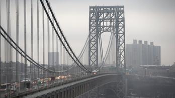 Bombariadó miatt lezárták a világ egyik legforgalmasabb hídját