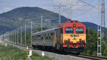 Másfél-kétórás késések vannak a dél-balatoni vasútvonalon