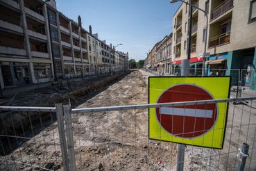 A csongrádi tram-train ötlete még 2007-ben merült fel, majd az első részletes megvalósíthatósági tanulmányt 2011-ben rendelte meg a hódmezővásárhelyi önkormányzat, ami 2012-ben el is készült, ekkor robbant be a köztudatba a tram-train.