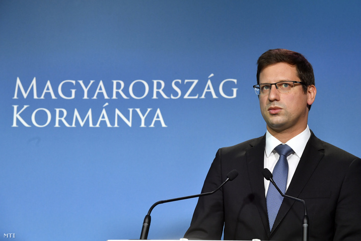 Gulyás Gergely, a Miniszterelnökséget vezető miniszter a Kormányinfó sajtótájékoztatón a Miniszterelnöki Kabinetiroda Garibaldi utcai sajtótermében 2019. augusztus 23-án