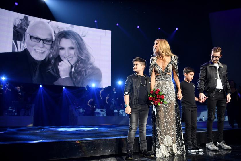 Céline Dion és fiai meghatóan búcsúztak a Las Vegas-i közönségtől. A rajongóknak azonban nem kell elkeseredniük, az énekesnő hamarosan új albummal jelentkezik, és világ körüli turnéra indul.