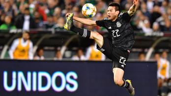 Messi-szerű szélsőt igazolt a Napoli