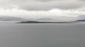 Amíg Dánia vonakodik Grönlanddal, Izland simán eladott egy szigetet