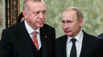 Erdoğan felhívta Putyint a szíriai géppuskatűz után