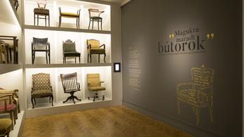 Kell-e tudnunk, min ültek a magyar irodalom legnagyobbjai?
