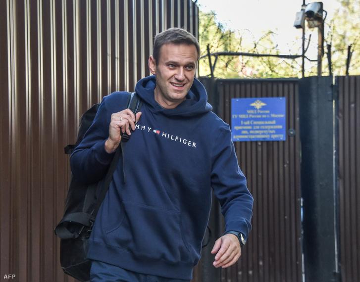Alekszej Navalnij hagyja el a moszkvai börtönt 2019. augusztus 23-án