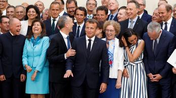 Feszült hangulatban kezdődik a G7-csúcs