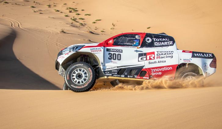 Toyota Alonso Dakar 3