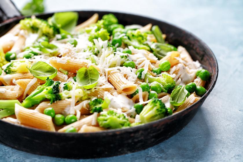 Brokkolis, borsós tészta parmezánnal: 20 perc, és már eheted is