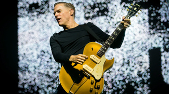 Ingyenes koncertet ad Bryan Adams a Hősök terén