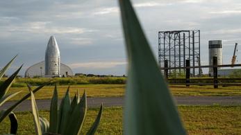 Kérjük, hagyja el az otthonát, rakétát tesztel a SpaceX