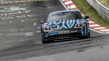 Így ment körbe a Nordschleifén a Porsche Taycan
