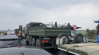 Meghalt egy katona a konvoj balesetében