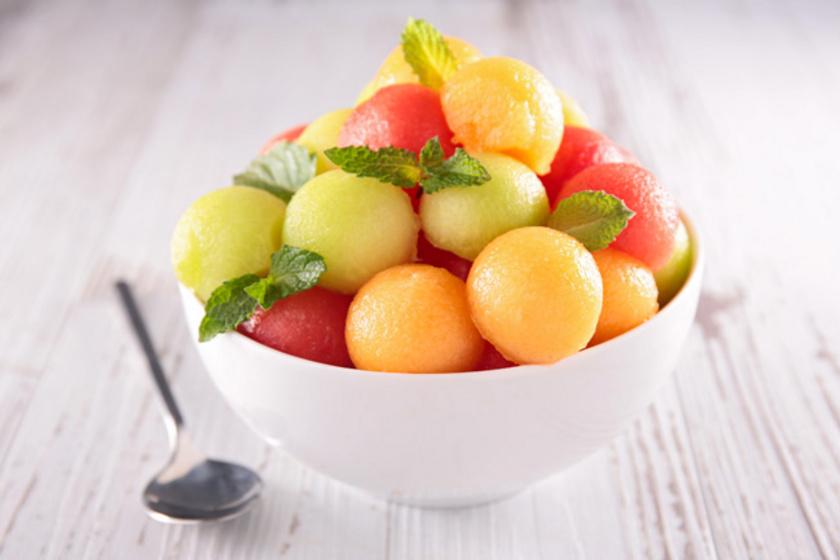 Ötletes dinnyés finomságok a forró augusztusi napokra: sok múlik a tálaláson