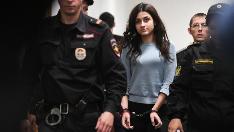 Bűnözők vagy áldozatok a kegyetlen apjukat megölő nővérek?