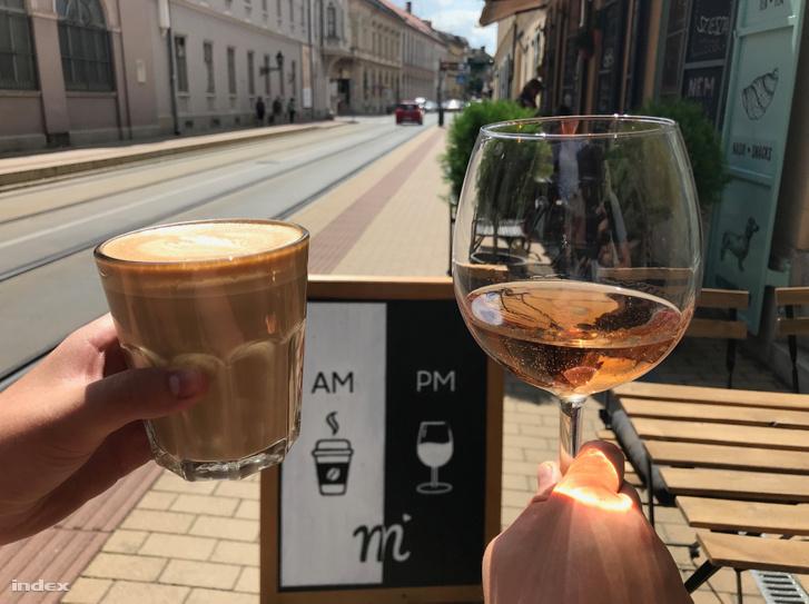 Index Kultúr Kávézókörkép: presszó borral és láncfűrésszel