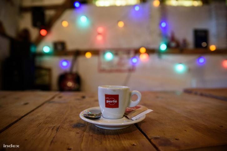 Kávézó a belvárosi favágókhoz, Szentes