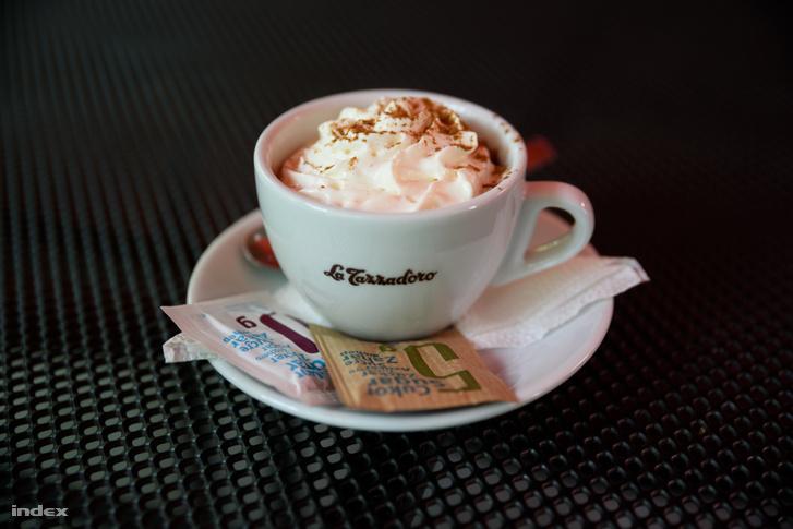 Bohém Kávéház, Csongrád