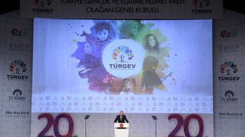 Isztambul új ellenzéki polgármestere nekiment a kormánypárti alapítványoknak