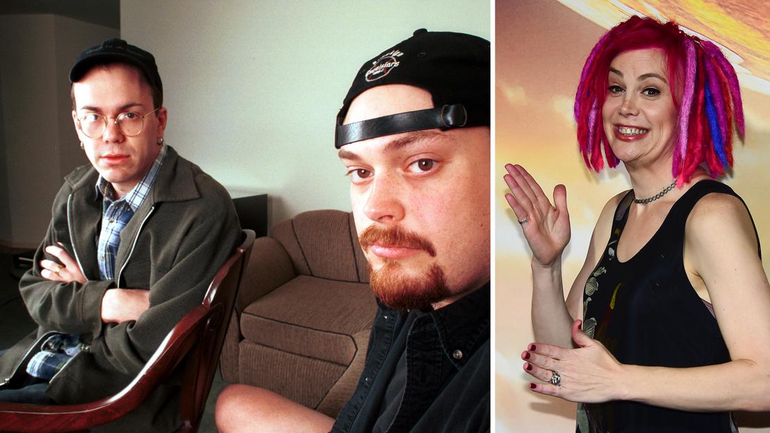 Jobb oldalon: Larry Wachowski (Lana) és Andy Wachowski (Lilly), a Mátrix irója és rendezője 1999. március 26-án. Bal oldalon: Lana Wachowski a Jupiter felemelkedése című film premierjén 2015. február 2-án