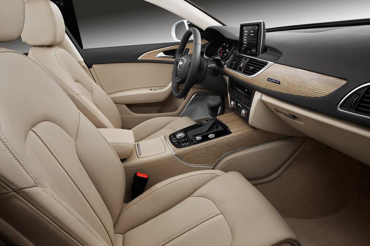 Nincs teljes műszerfal-körkép modern Audi nélkül, mert manapság ők gyártják a legszebb belső tereket