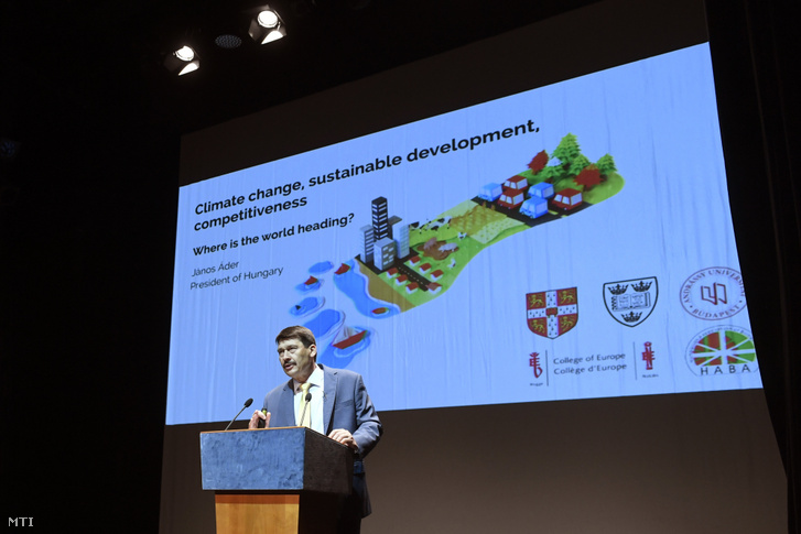 Hungarian President János Áder talking about climate change to representatives of alumni organisations of Hungarian universities in Budapest on 12 June 2019.