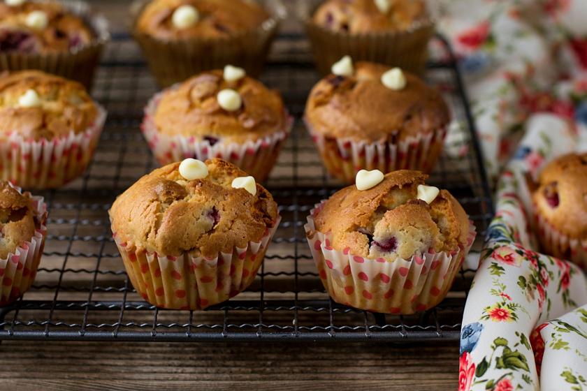 Fehér csokis, gyümölcsös muffin: ha gyors, mégis mennyei finomságra vágysz