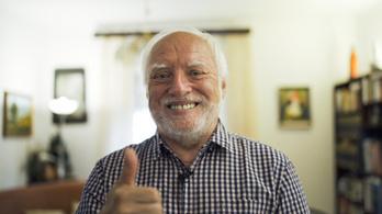 András, aki 72 évesen lett világsztár: Haroldként