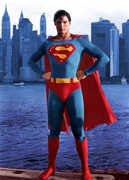 Superman. Meleg? Lehet.