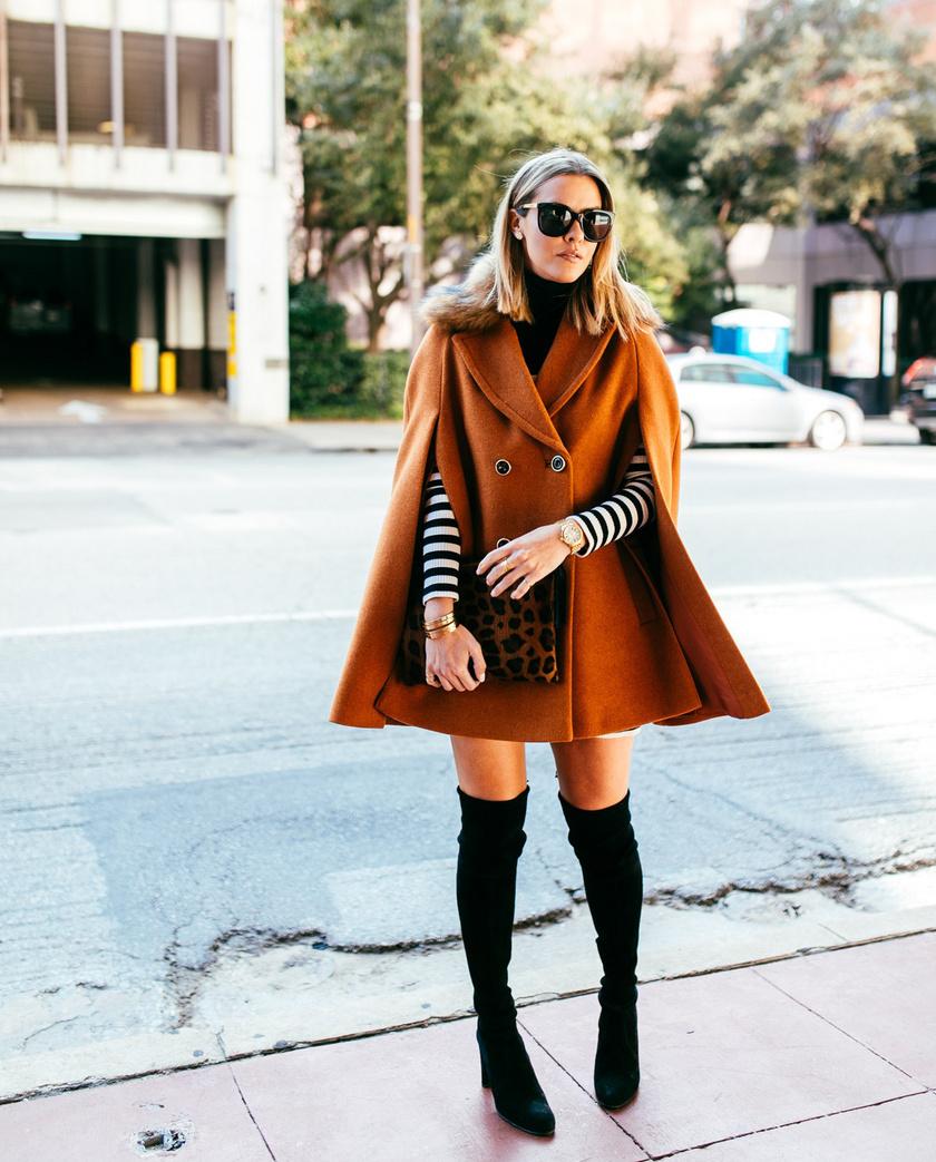 Az ősz legdivatosabb ruhadarabja egyértelműen a nőies pelerin lesz. Csinos, könnyed eleganciát kölcsönöz a viselőjének, a hűvösebb időben pedig különösen praktikus.