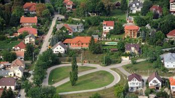 20 millió alatt csak Budapesttől 40-60 km-re találni házakat