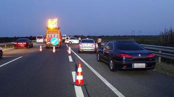 Gyalogost gázolt halálra egy autó az M43-as autópályán Szegednél
