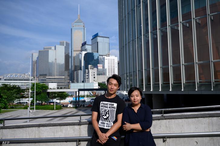 Jimmy Sham és Bonnie Leung, a Civil Human Rights Front nevű hongkongi ellenzéki csoport vezetői