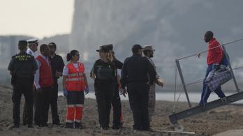 156 embert mentettek ki Marokkó partjainál