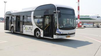 Hazai gyártású villanybuszt tesztel a Liszt Ferenc reptér