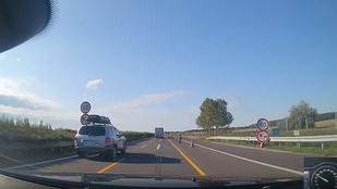 Hogy lehet 60 km/órás sebességkorlátozás egy autópályán?
