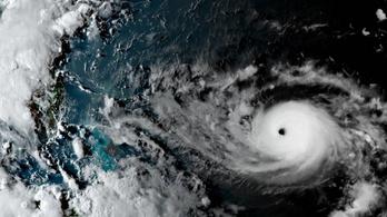 Az elmúlt harminc év legerősebb hurrikánja lehet a Florida felé tartó Dorian