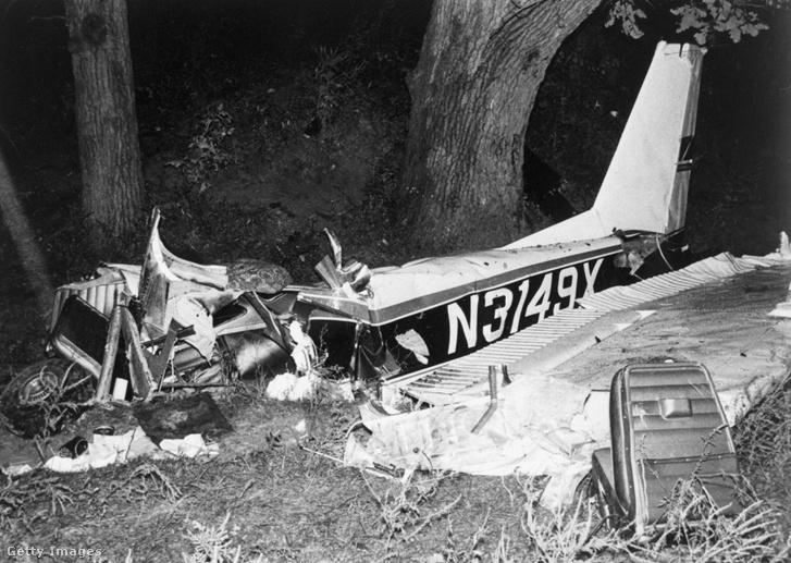 1969. augusztus 31-én a kisrepülőgép, amivel Rocky és három barájta egy családi összejövetelre utazott kényszerleszállás közben egy fának csapódott.
