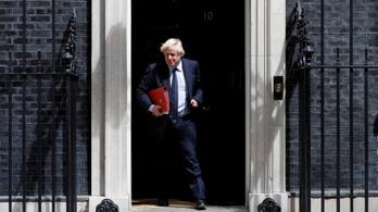 Tízezrek tüntettek Nagy-Britanniában  a parlament felfüggesztése ellen