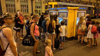 Bezárnak a Nyugati pályaudvar jegypénztárai este fél nyolc és reggel hat között szeptember végéig